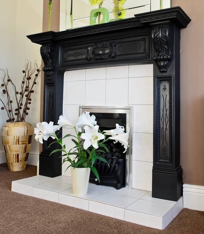 Black Fireplace Mantel Decor Ideas