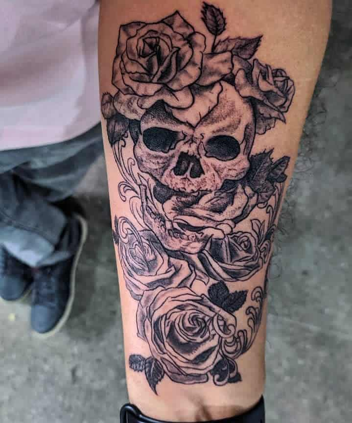 black-gray-skull-and-rose-forearm-tattoo-mazza_tattoo