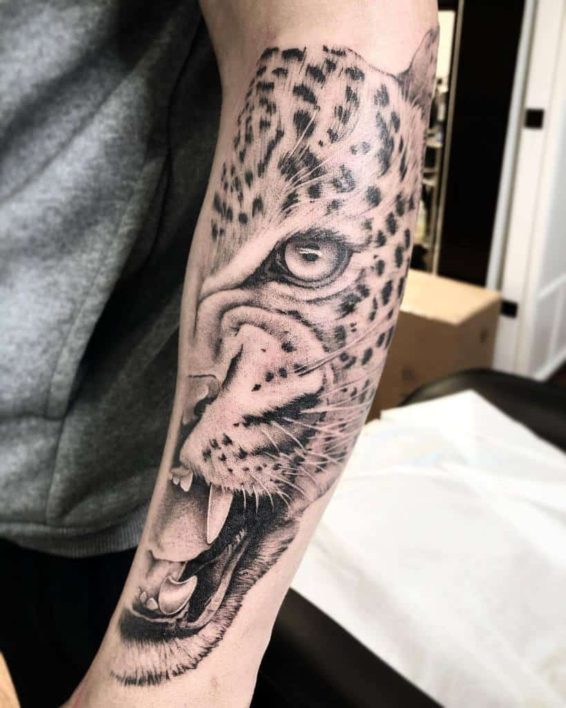 black-grey-jaguar-tattoo-mjstattoo
