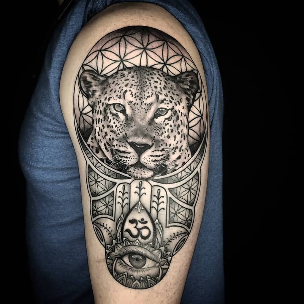 black-grey-wildlife-hamsa-geometric-jaguar-tattoo-mdinovo