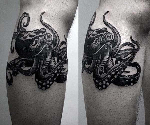 Black Ink Traditional Octopus Mens Upper Leg Tattoos