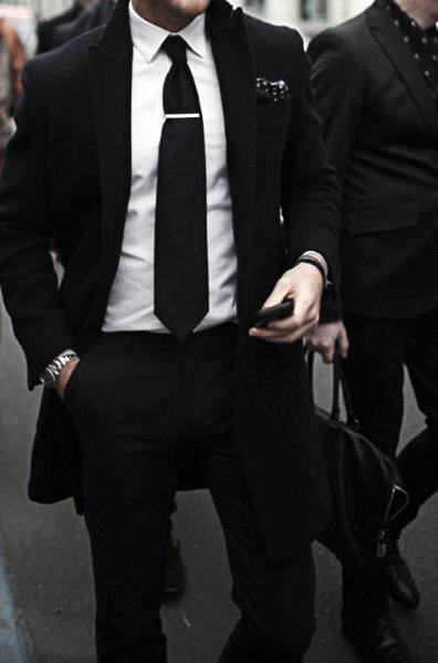 Black Suit Style Looks For Men With White White And Black Tie