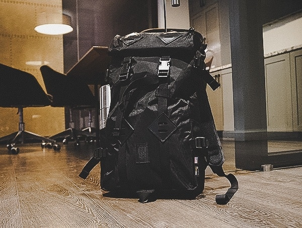 Black Topo Designs Klettersack 22l Backpack Review At The Office