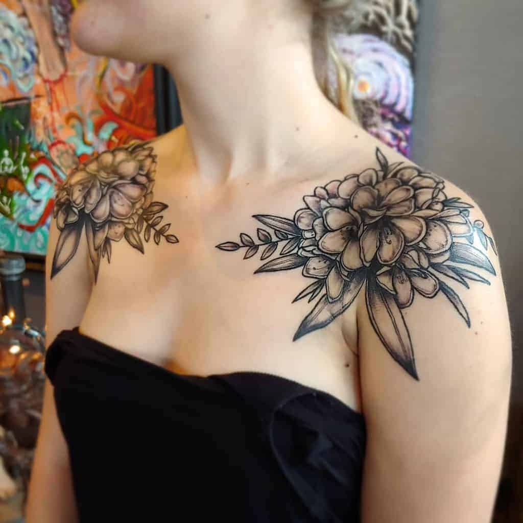 blackwork-flower-shoulder-tattoo-jessaholliday
