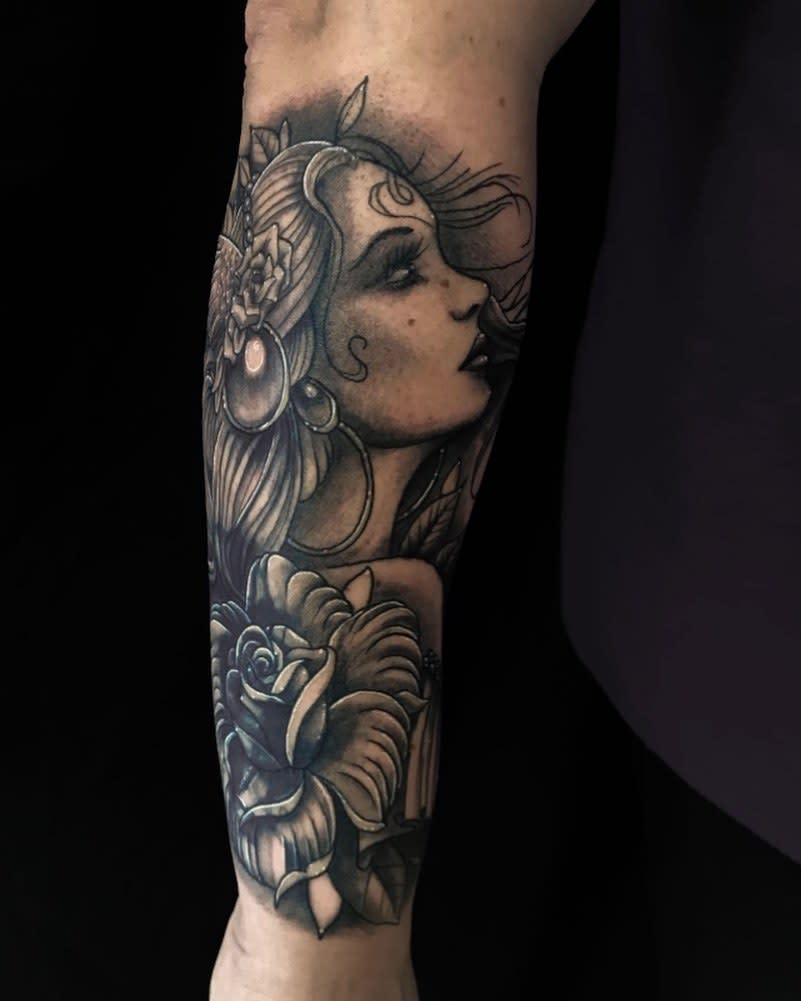 blackwork gypsy rose tattoos san_luca_tattoo_lounge