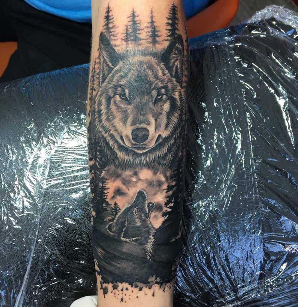 blackwork howling wolf tattoo alexsickfish
