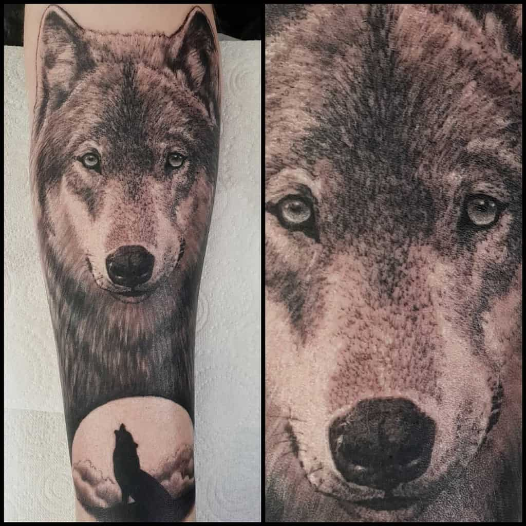 blackwork howling wolf tattoo leigholdcorn