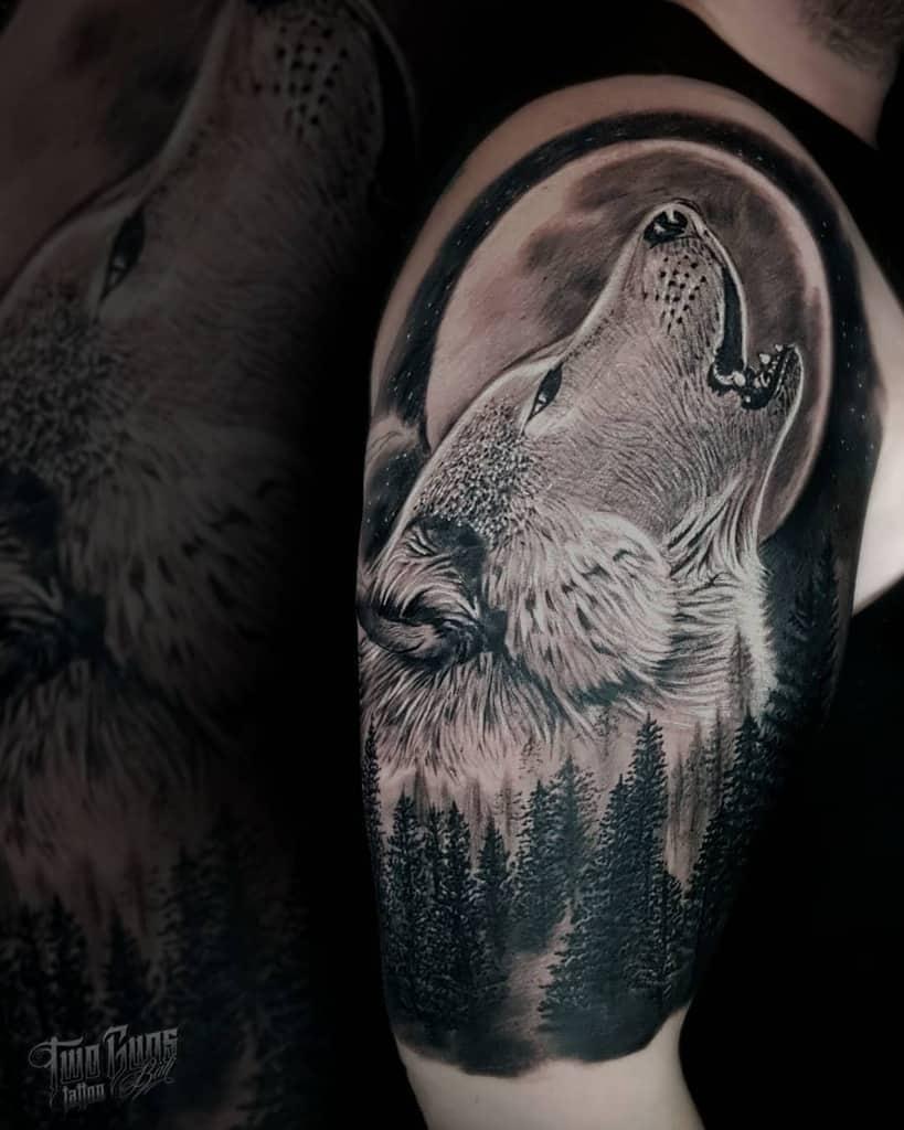 blackwork howling wolf tattoo twogunstattoobali