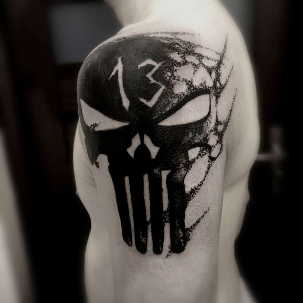 blackwork punisher skull tattoo rafirafalski