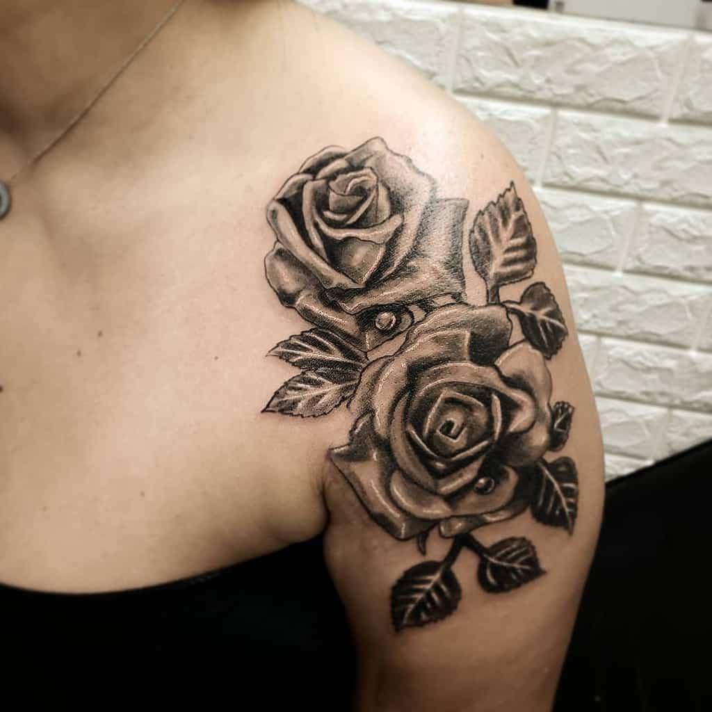 blackwork rose shoulder tattoos tiagotargacampos