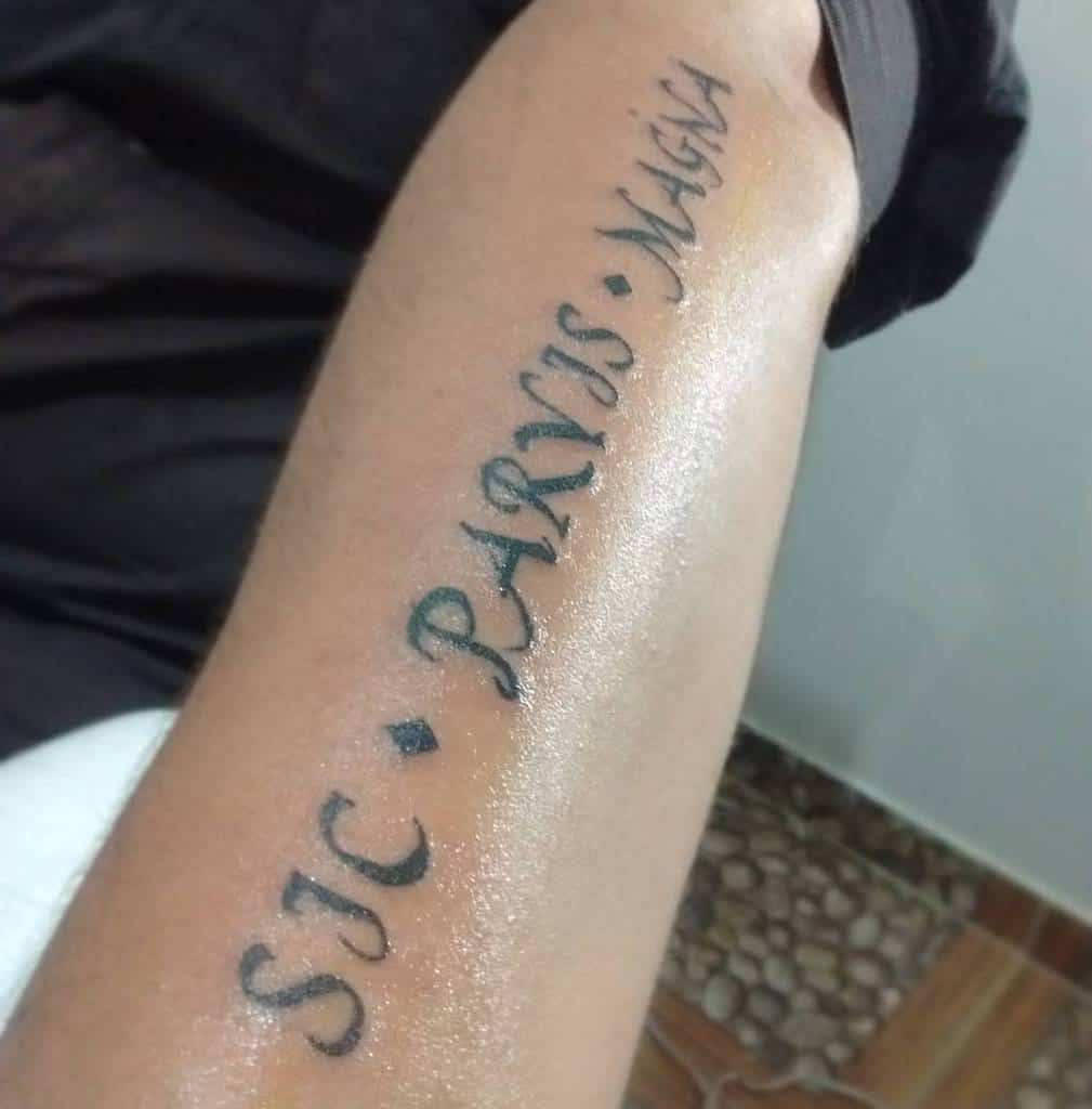 Blackwork Sic Parvis Magna Tattoos Escuincle7