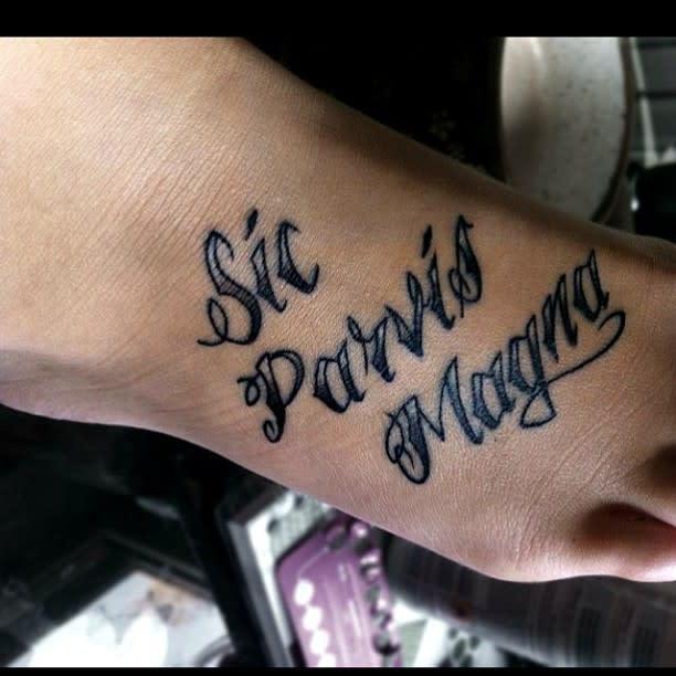 Blackwork Sic Parvis Magna Tattoos Popsepopse