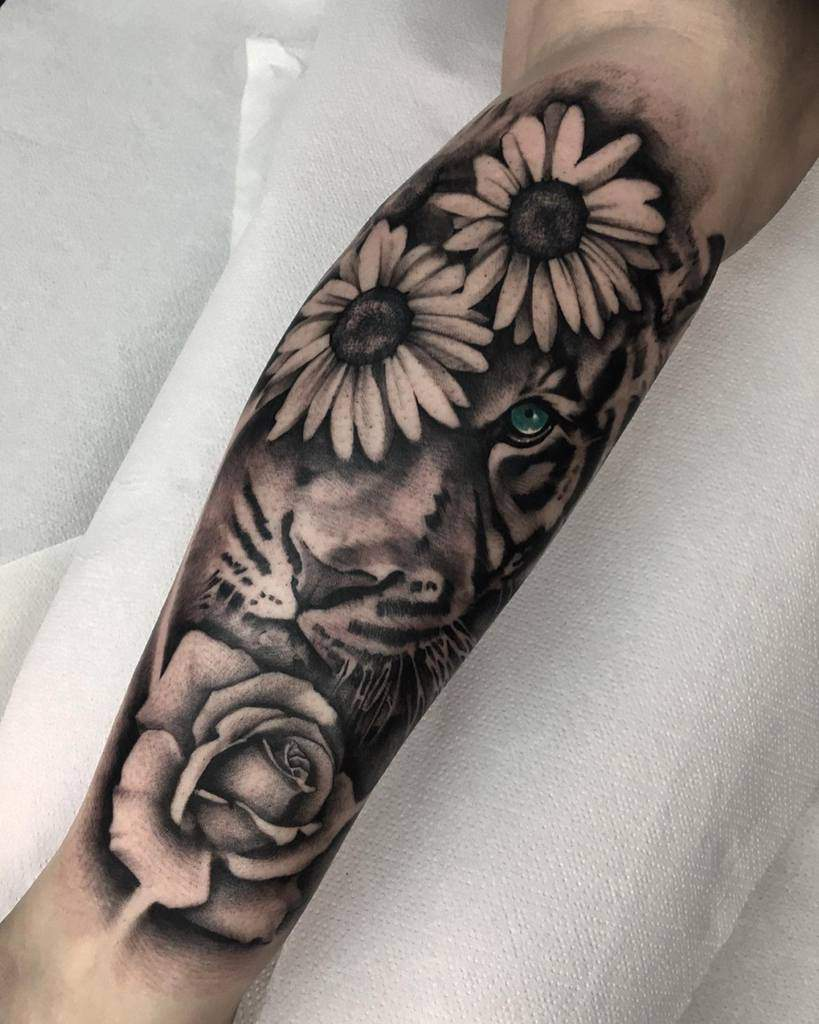 blackwork tiger rose tattoos telmocasal