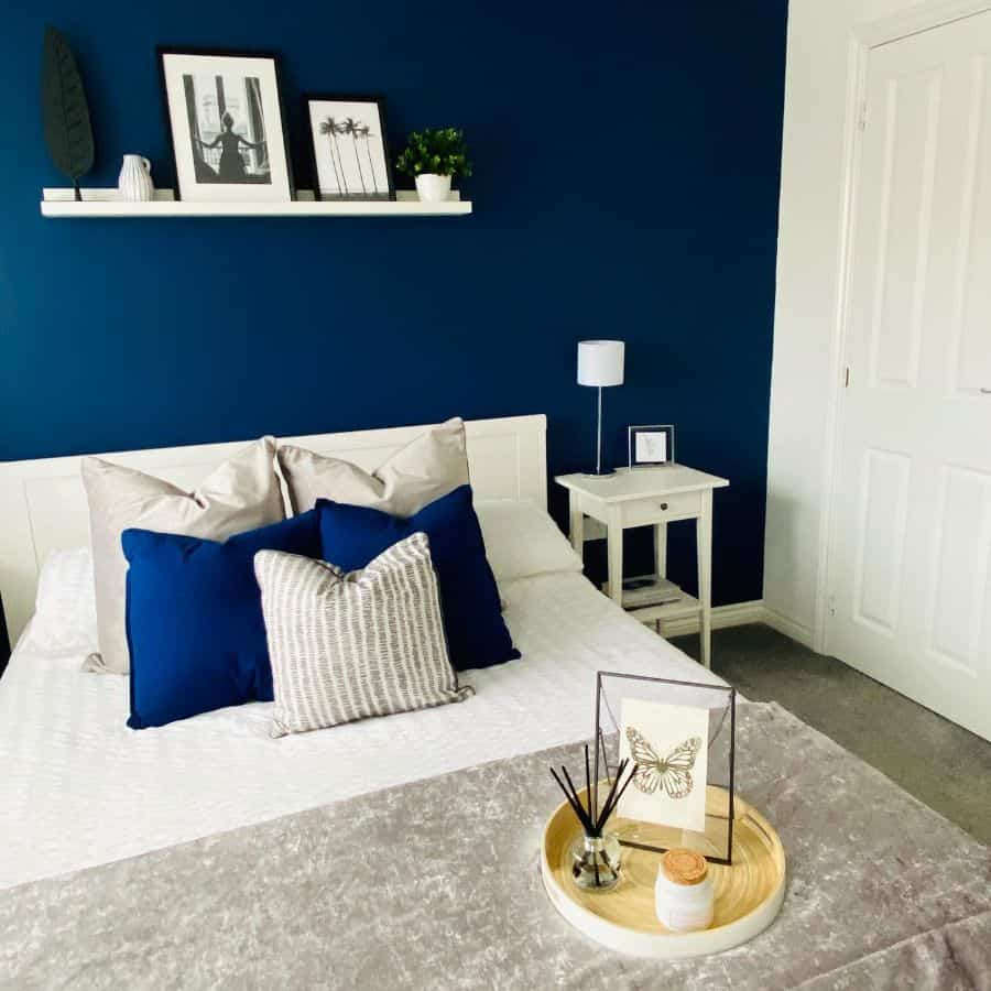 blue accent walls blue bedroom ideas livingonguinness