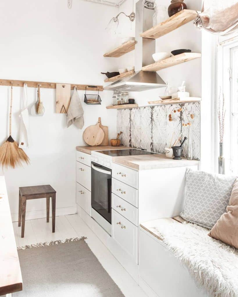 boho-style tiny kitchen ideas laurakinterior