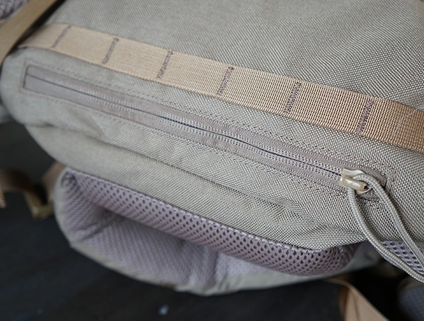 Bottom Kelty Eagle Backpack Pocket Containing Rain Sand Fly