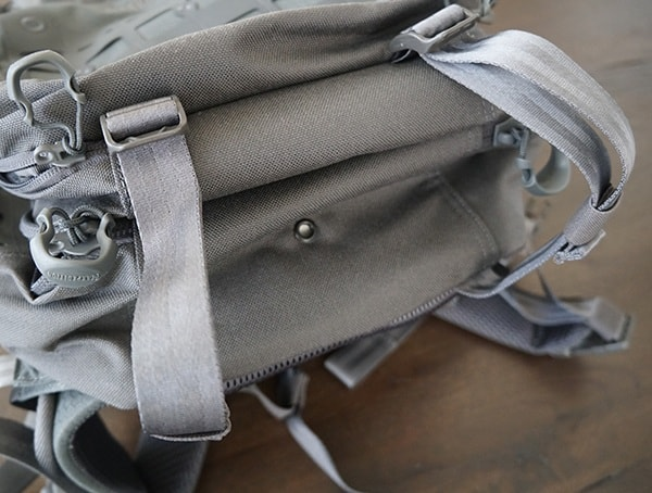 Bottom Maxpedition Riftblade Backpack With Compression Straps