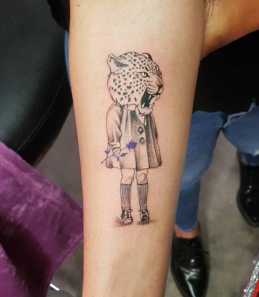 brave-jaguar-girl-tattoo-nuriavicon