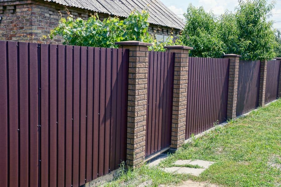 The 80 Best Wood Fence Ideas - Landscaping Inspiration