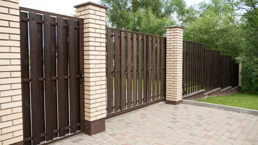 Brick And Wood Fence Ideas (7)