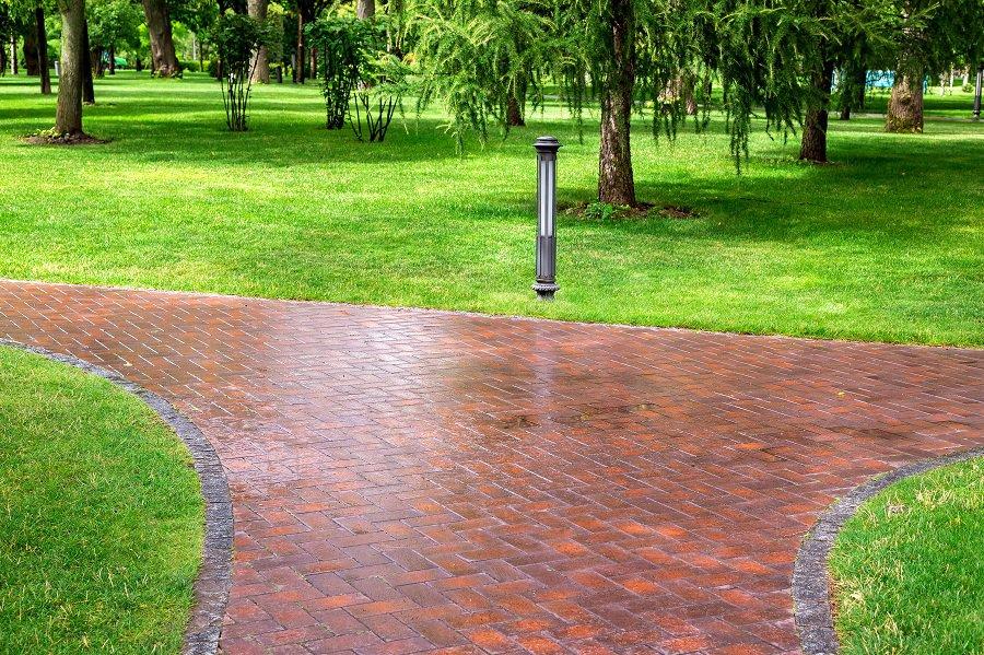 Circle Stepping Stones Walkway Ideas