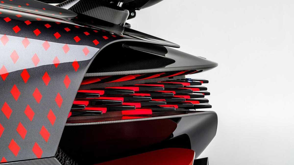 bugatti-divo-lady-bug-7