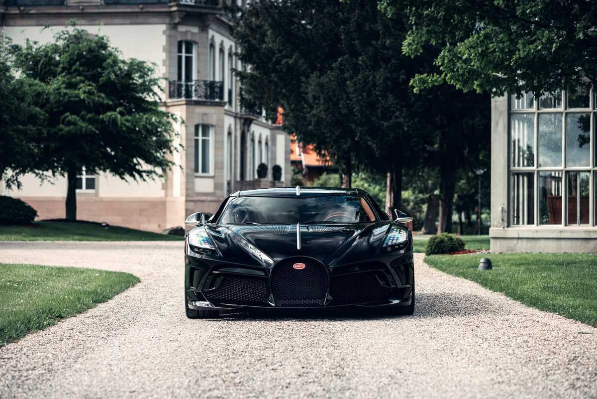 bugatti-la-voiture-noire-1