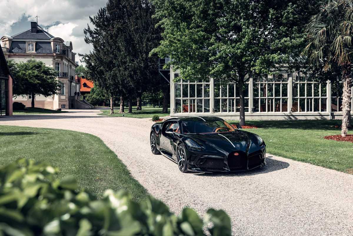 bugatti-la-voiture-noire-4