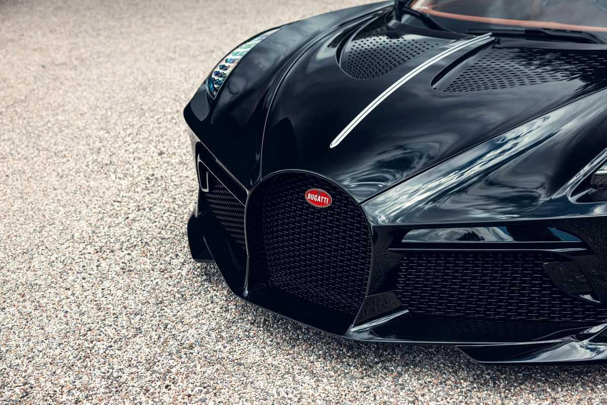 bugatti-la-voiture-noire-5
