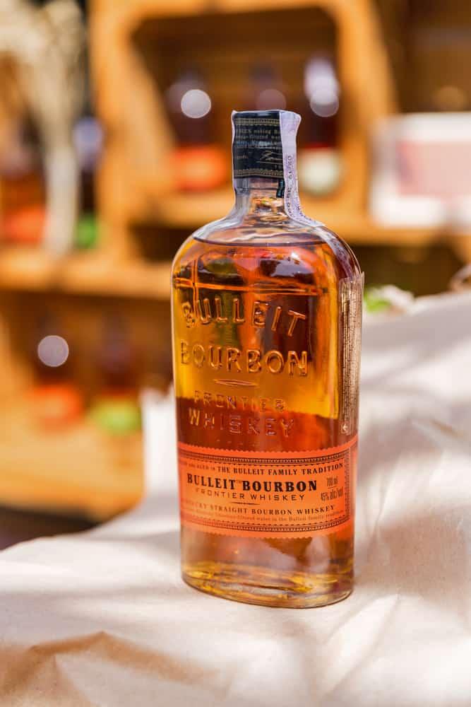 bulleit bourbon frontier whiskey bottle