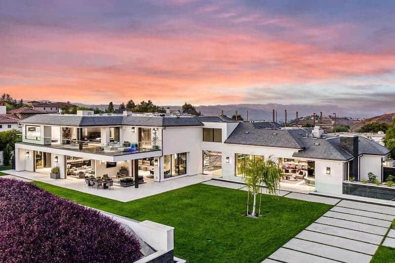 Tech Tycoon Drops $30 Million on Calabasas Mansion