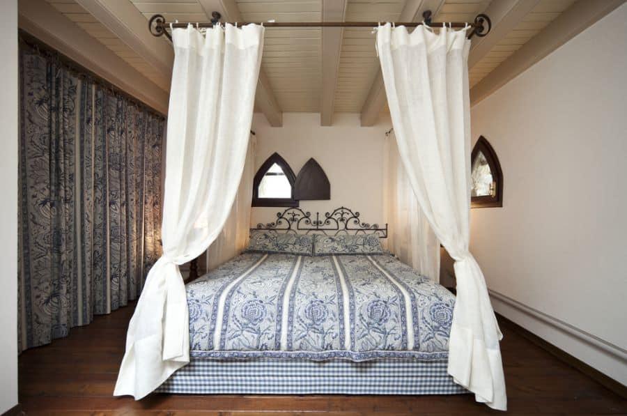 Canopy Bed Curtain Ideas
