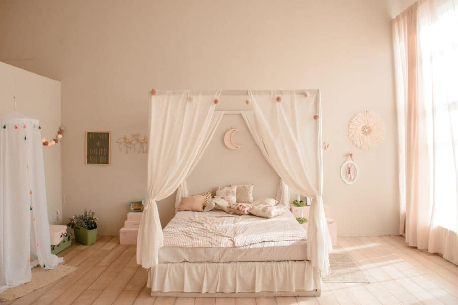 canopy romantic bedroom ideas 3
