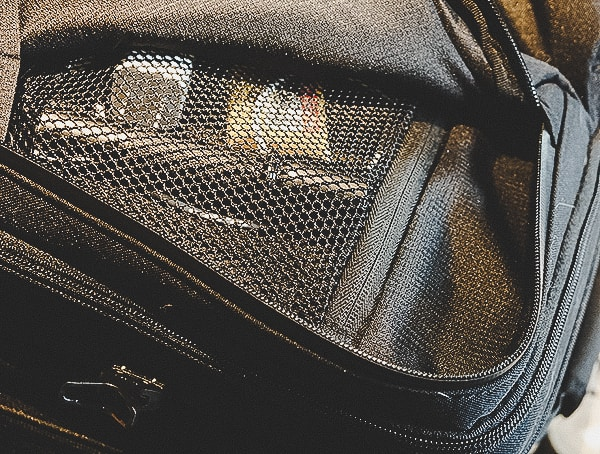 Carry On Suitcase Review Ogio Alpha Convy 522s Bag In Black Zippered Interior Pocket