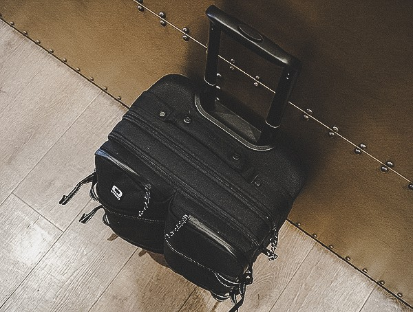 Carry On Suitcase Review Ogio Alpha Convy 522s Travel Bag