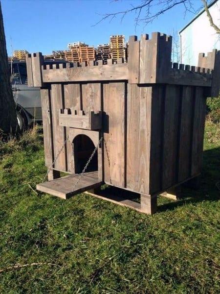 Castle Wood Dog House Ideas