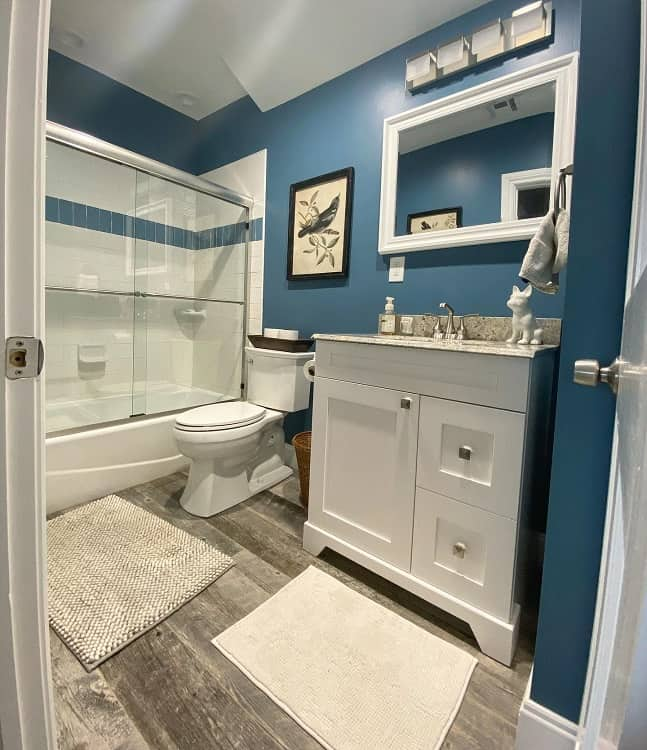 bright color small bathroom paint ideas