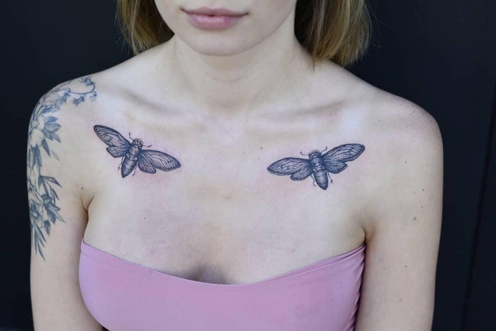 chest Cicada Tattoos tuszirzemioslotatuaz