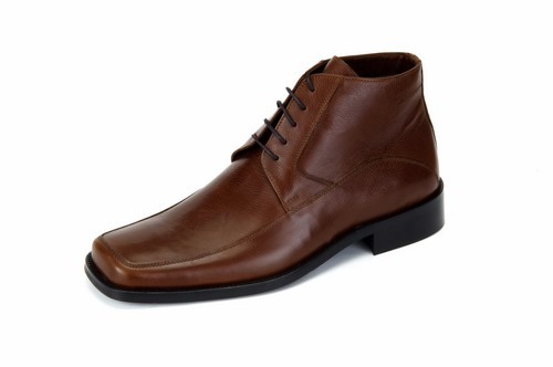 Clarks Bushacre 2 Desert Chukka Boots For Men