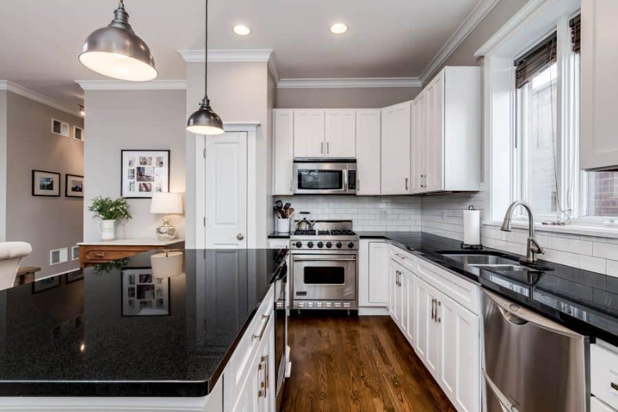Classic Black And White Kitchen 3