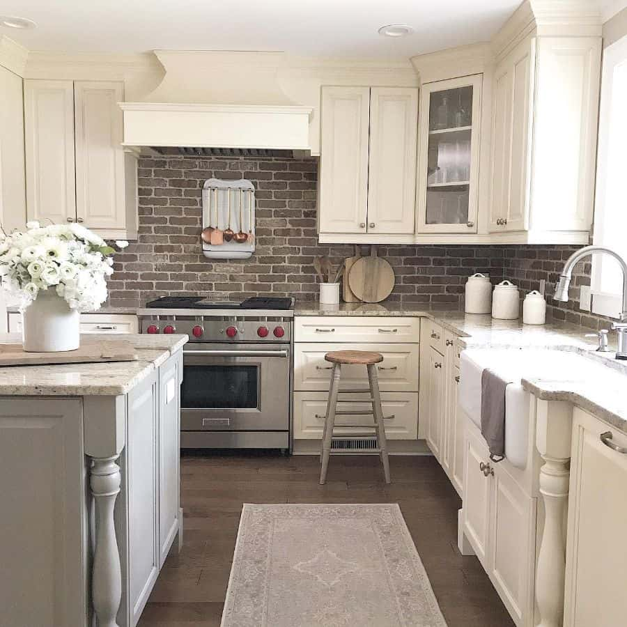Classic Cabinetry French Country Kitchen Caligirlinasouthernworld