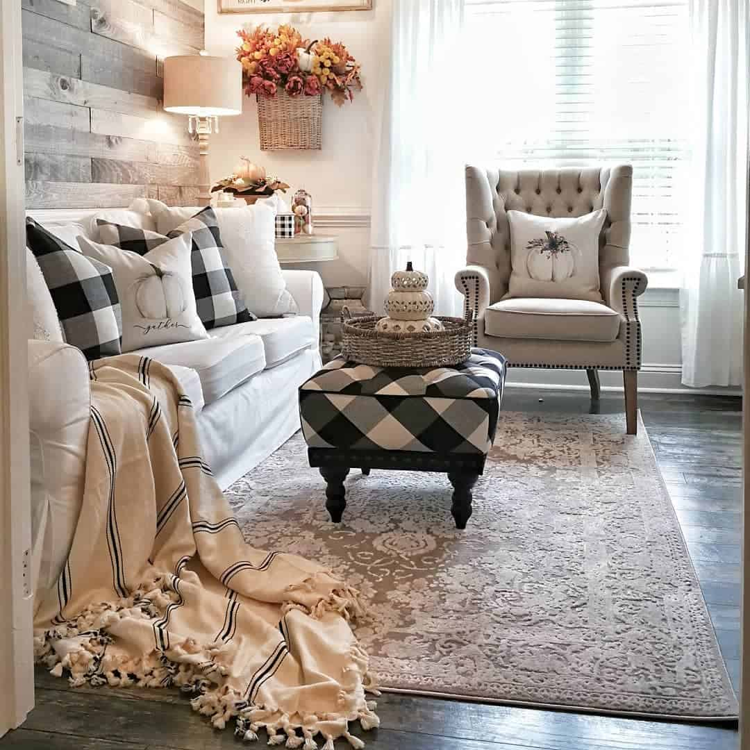 Classic Farmhouse Farmhouse Living Room Ideas 1 Bridgewaydesigns