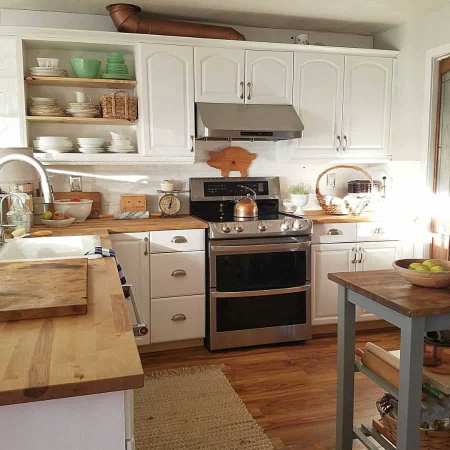classic farmhouse kitchen ideas creepingfigcottage