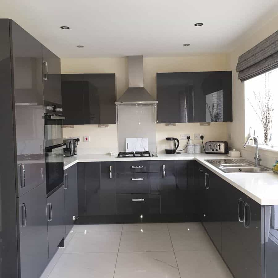 classic kitchen tile ideas no1_the_harrier