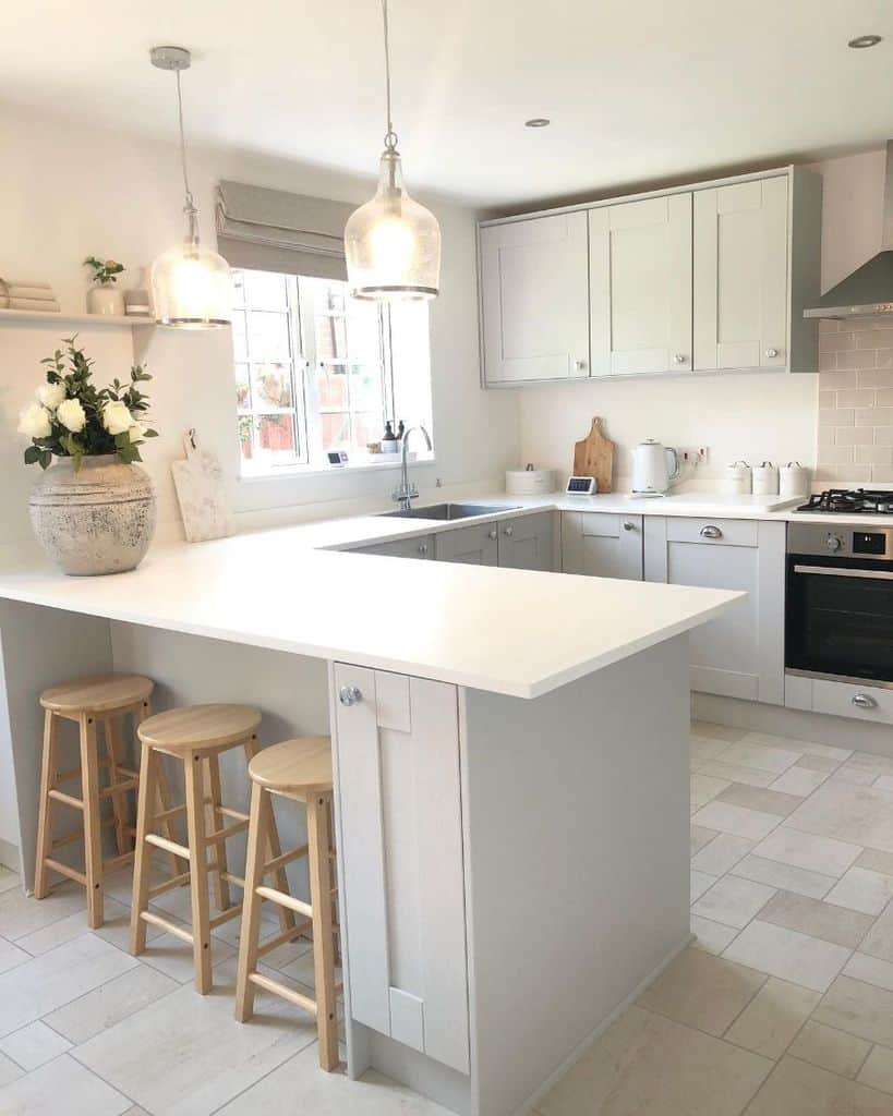 classic kitchen tile ideas willow__cottage