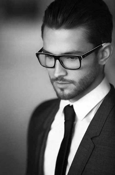 Classy Modern Mens Hair With Glasses