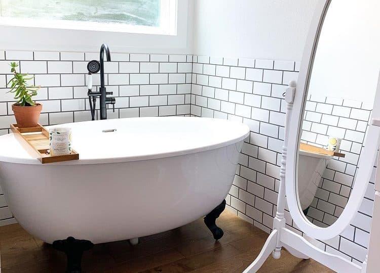 Claw Foot Farmhouse Bathroom Tub Thehousethatfaithbuilt