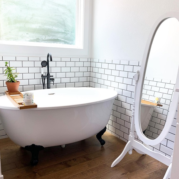 Claw Foot Farmhouse Bathroom Tub Thehousethatfaithbuilt