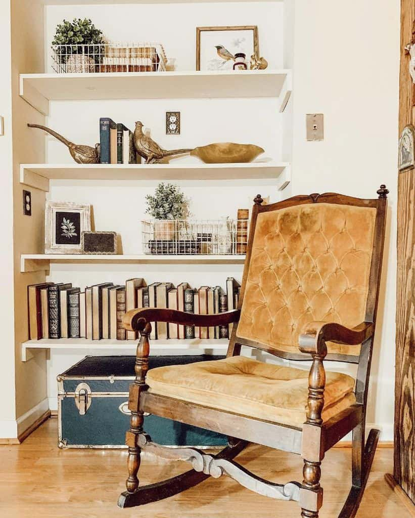 Closet Reading Nook Worcester.run