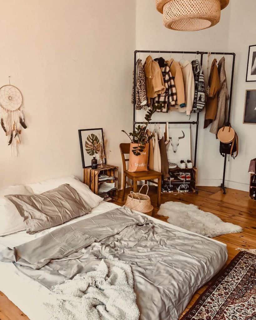 clothes rack bedroom closet ideas pueppicestmoi